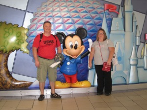 004 Daddy and Mama with the Mouse