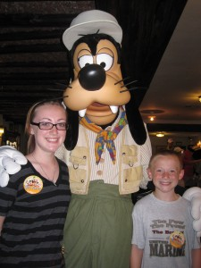 062 kids with Goofy