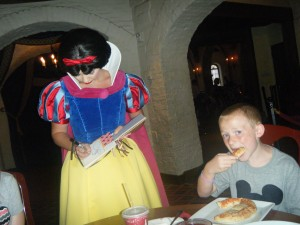 033 Jack ignoring snow white