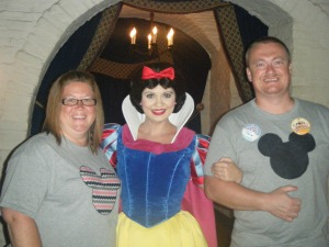 035 Parents with snow white