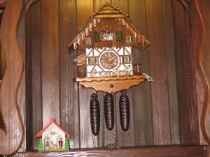 058 german cuckoo clock